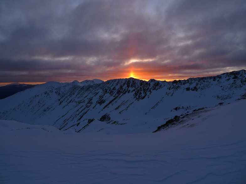 Sunrise over Robert Ridge, Rainbow