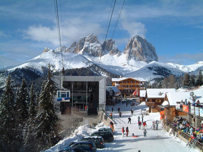 Alba di Canazei Ski Resort Guide Location Map Alba di Canazei ski