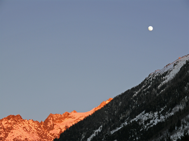 Moon at sunset, Chamonix