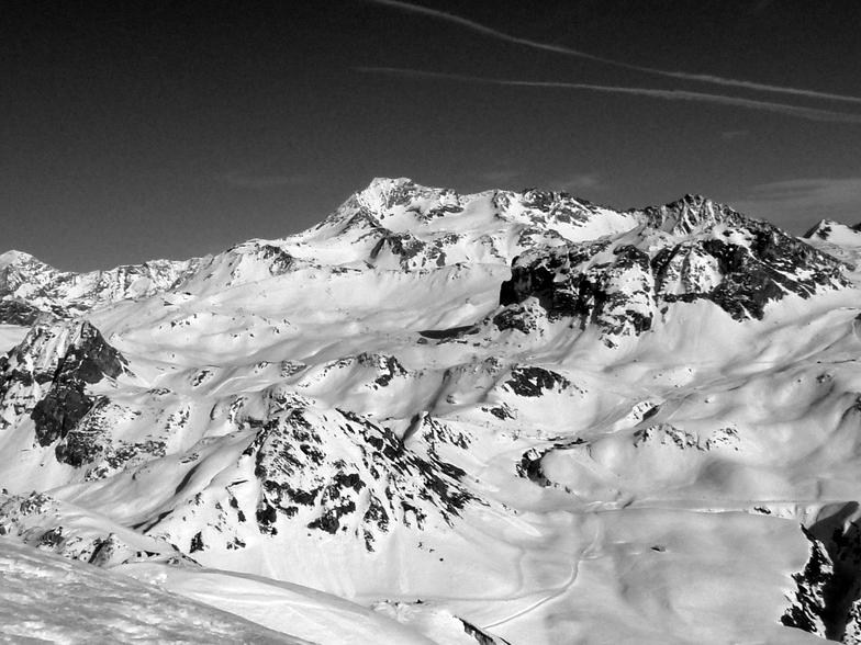 Bellecôte Summit, with hightest ski slopes in La Plagne