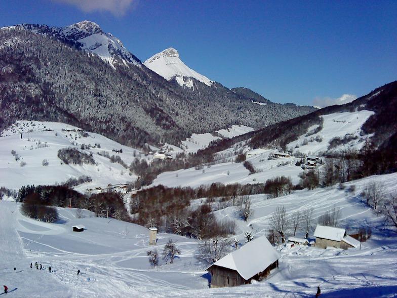 Aillon Station vue des pistes, Aillons-Margeriaz