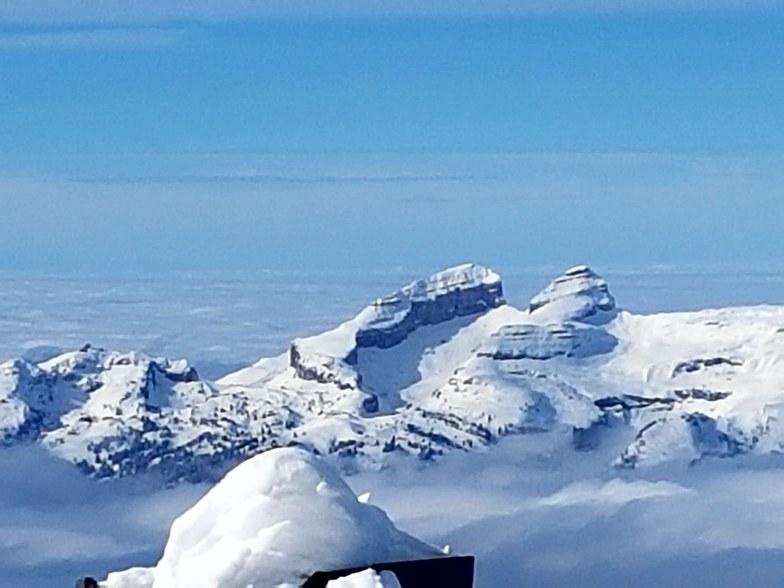 Leysin's towers, Gstaad Glacier 3000