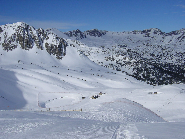 grandvalira-pas de la casa webcam showing current snow conditions