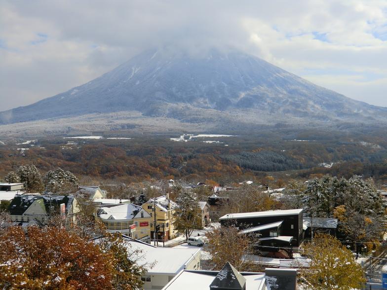 Autumn snow, Niseko Hirafu