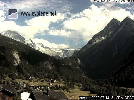 Evolèneの雪を表すウェブカメラのライブ映像