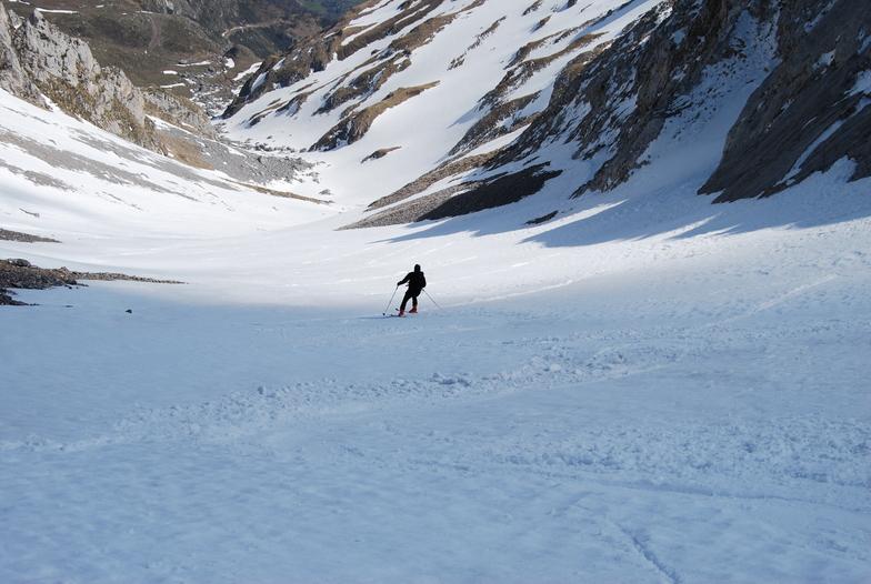 Descenso de la canal de S.Carlos, Picos De Europa