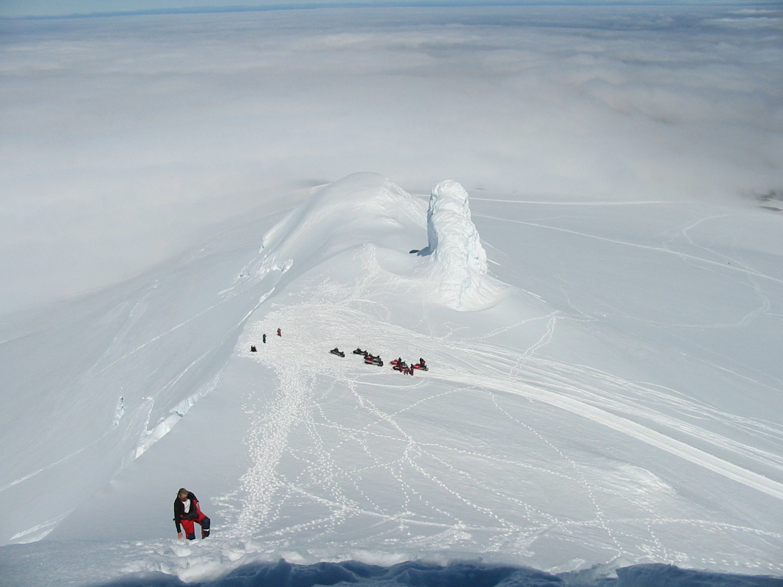 Top of Snaefellsjokul, Snjofell