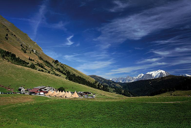 Tentipis Party, Col des Aravis with Mont Blanc, La Clusaz