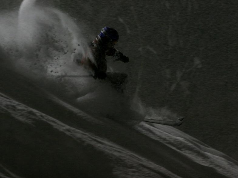 Night skiing in the deep Niseko powder, Dec 26 2005, Niseko Grand Hirafu