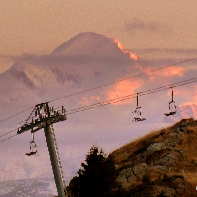 Sunset on Mt Blanc, Praz De Lys Sommand