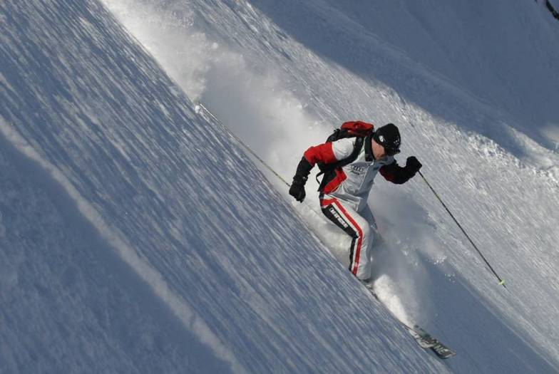 bad roo skiing powder in La Grave, La Grave-La Meije