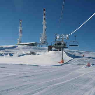 Arriving to Pic de L'Orri; summit at SkiPallars -Port Ainé, Port-Ainé