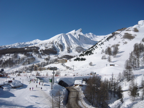 Val d'Allos – La Foux (Espace Lumière) Ski Resort by: rockbarn
