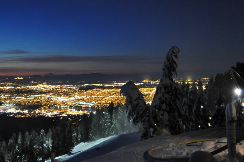 7am lights, Grouse Mountain