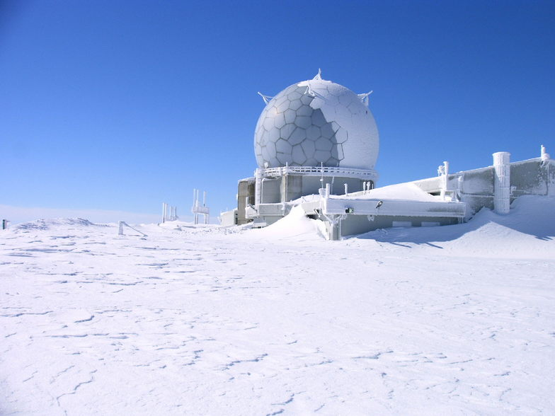 Deep Snow, Lunada