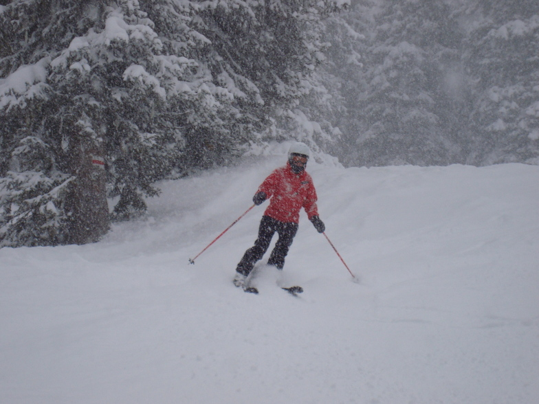 Liz Charnley skiing Davos