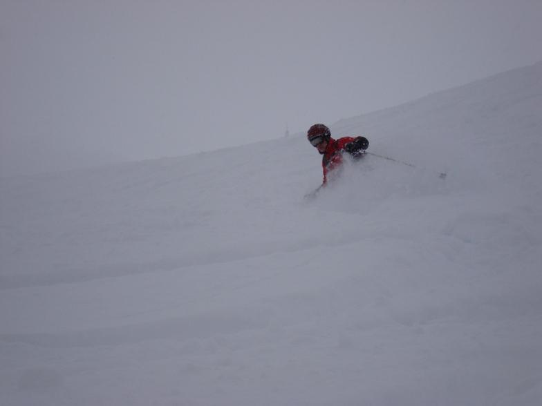 Godfrey  off piste in Davos powder