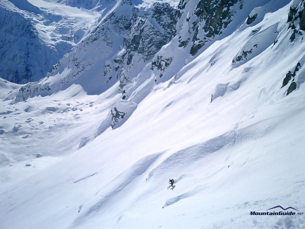 Off piste skiing in Verbier.