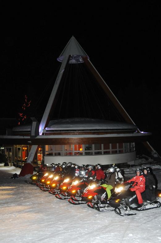 Moto neige au corbier noel 2011, Le Corbier (Les Sybelles)