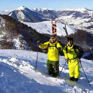 Happy skiers, Brezovica