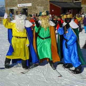 Los Reyes en port-Ainé