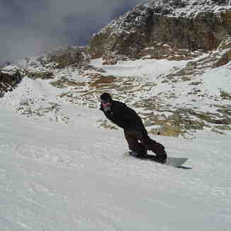 Toeside down the Tiefenbach Glacier at Solden., Sölden