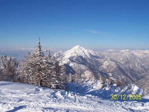 Krvavec Ski Resort by: Bojan