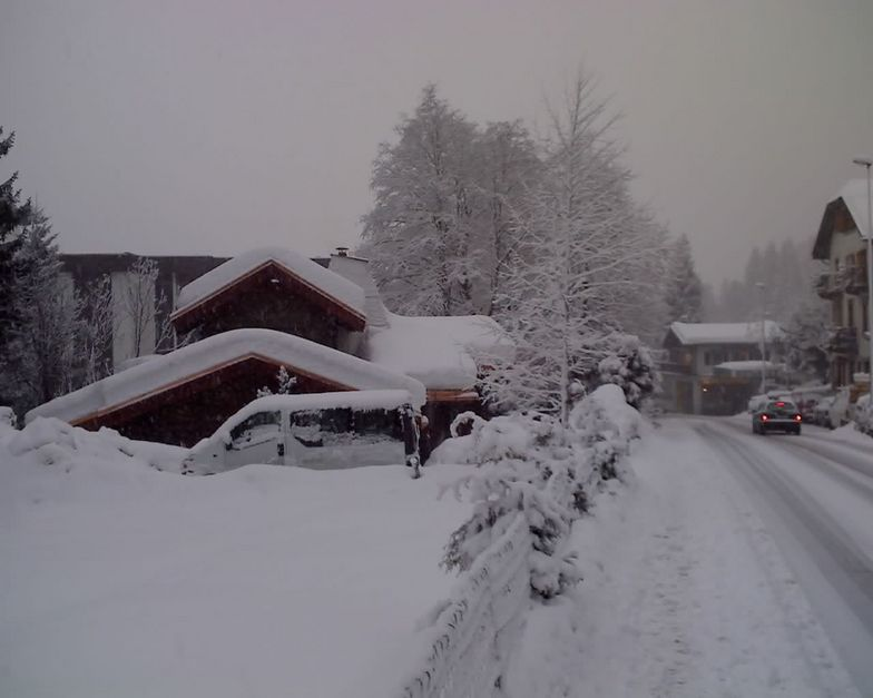 down the high street, Argentiere