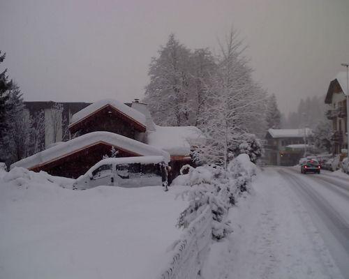 Argentiere Ski Resort by: russell gwilliam