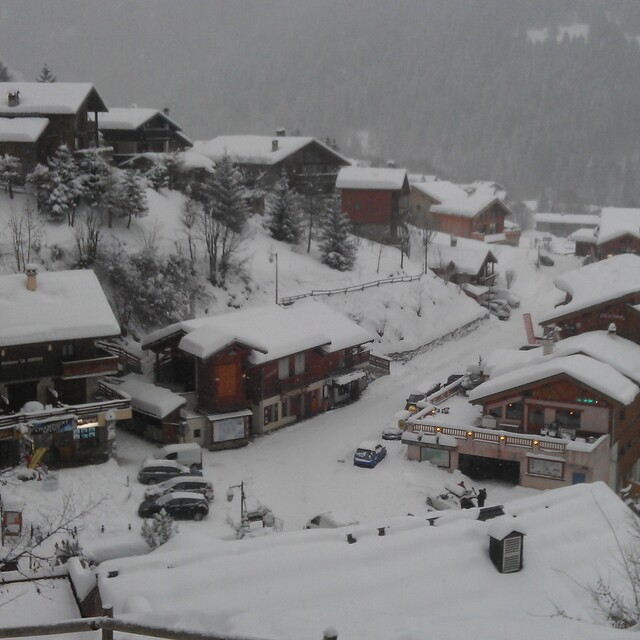 New Year 2011, Champagny