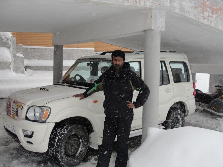 4x4 in snowy car shelter, Gulmarg
