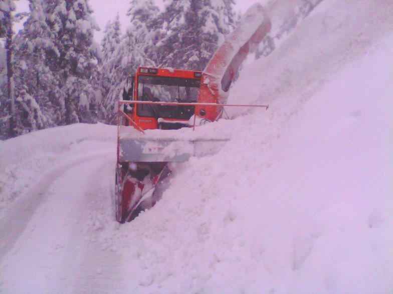 Slow Slide Cutting on the Way to Gulmarg by Mech Engg.Dptt. Kmr. Snow Cutter