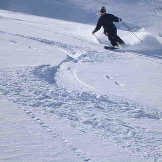 Babe on Bro Skis, Mzaar Ski Resort