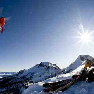 Heli in the Valhallas, Snowwater Lodge