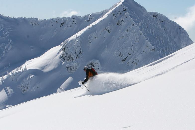 Bluyebird Powder daysat Snowwater, Snowwater Lodge