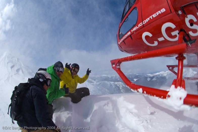 Small group heli skiing, Snowwater Lodge