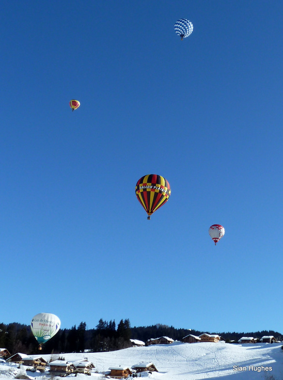 Hot air ballooning in Les Gets