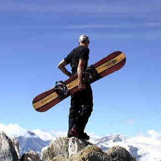 Tignes Glacier with Windlipsnowboards.com