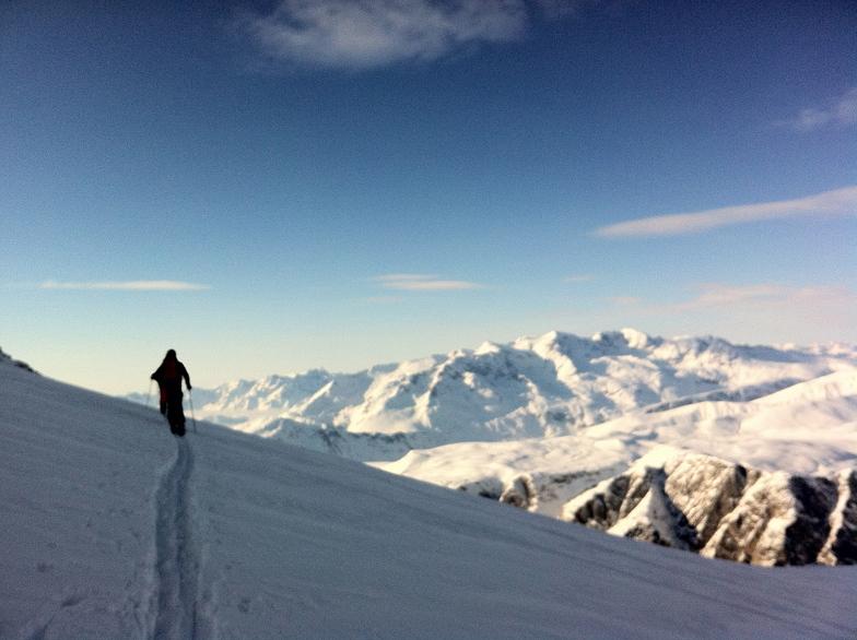 Crossing the glacier in surch for powder, La Grave-La Meije