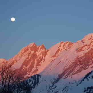 Aravis Moonrise, La Clusaz