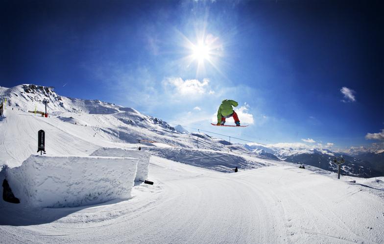 Les Arcs snow