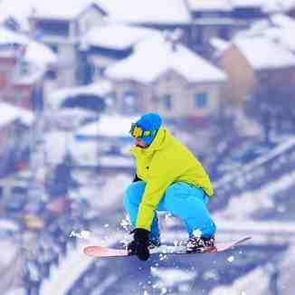 Meriton Bobaj jumps for Prizren