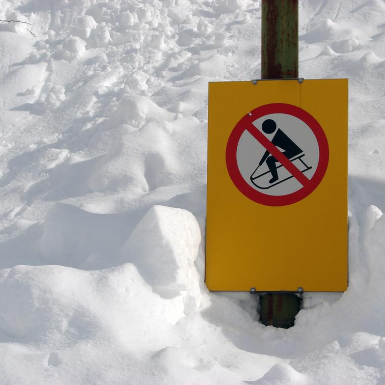 Please Be Careful!, Resort Mavrovo
