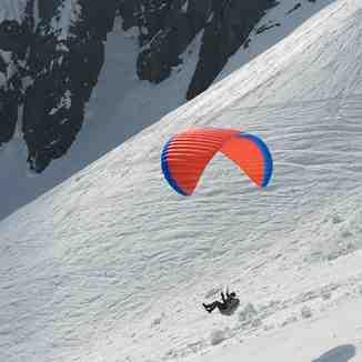 Airborne paraglider, Les Marécottes - Salvan
