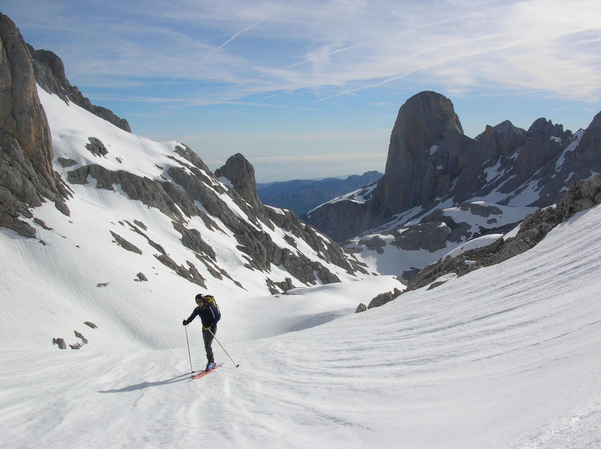Urriellu-Picos de Europa - photo taken by Rafael  Belderrain