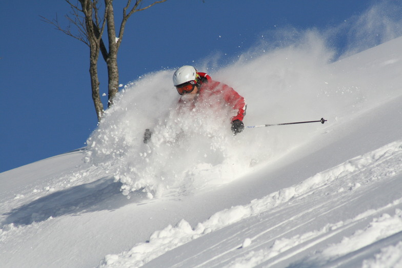 POWDER RUSH!6, Winghills Shirotori Resort