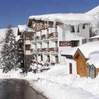 Hotel Le Chamois & Underground Bar, Alpe d'Huez