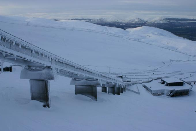 we still have snow in scotland...march, Cairngorm