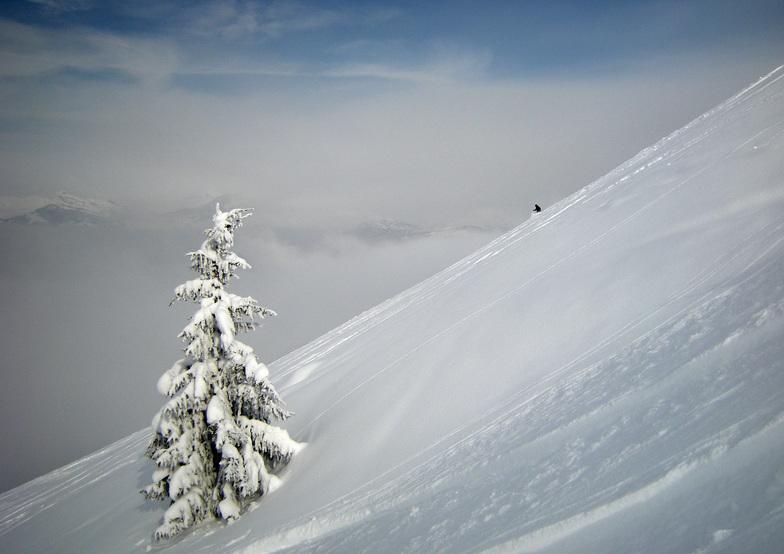 Ben off the Grande Epaule in superb snow, Saint Gervais