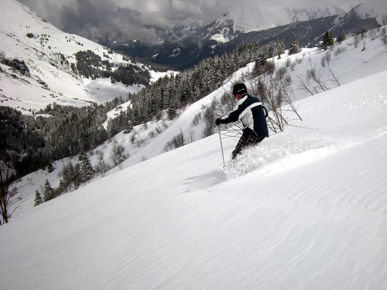 Jamie finds excellent end of season spring powder, Saint Gervais